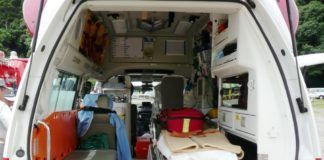 Interior de una ambulancia.
