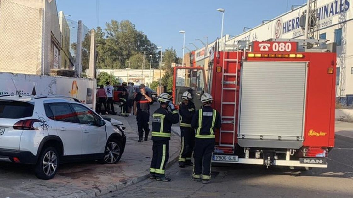 Los bomberos en el lugar del accidente./Foto: @cordobafire accidentes